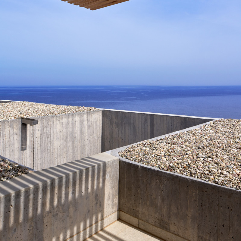 patio-house-ooak-architects-residential-architecture-house-greece_dezeen_2364_col_3