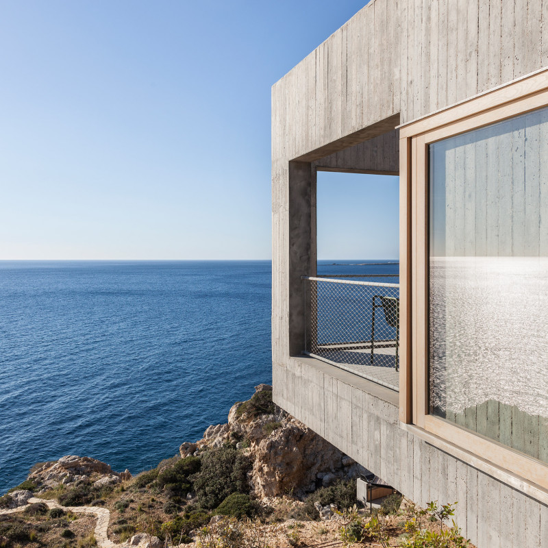 patio-house-ooak-architects-residential-architecture-house-greece_dezeen_2364_col_6