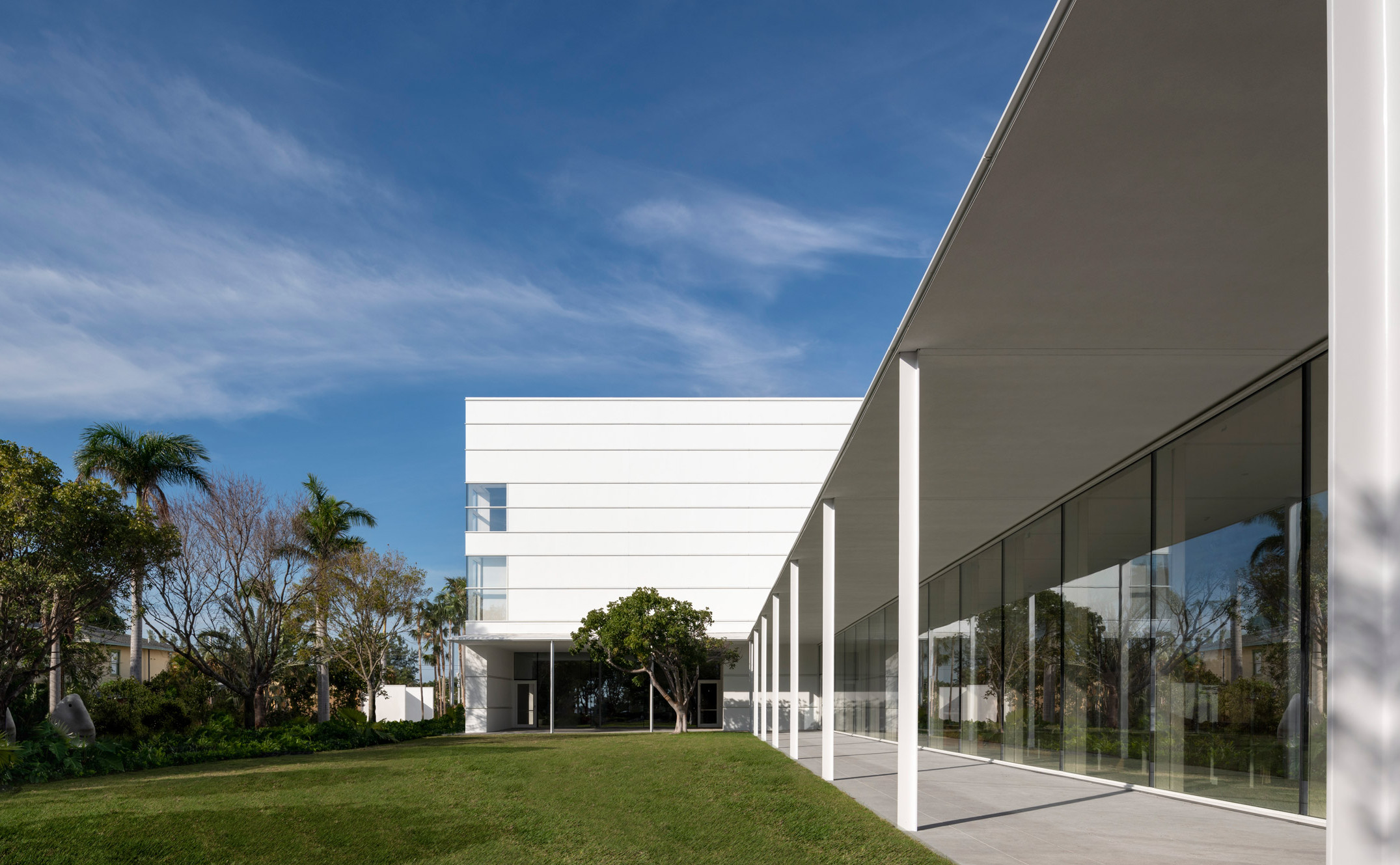 norton-museum-of-art-foster-west-palm-beach-florida_dezeen_2364_col_17