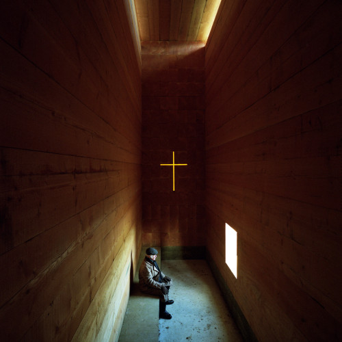john-pawson-wooden-chapel-photos-felix-friedmann_dezeen_2364_col_0