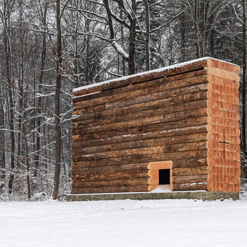 john-pawson-wooden-chapel-sieben-kapellen-germany_dezeen_hero