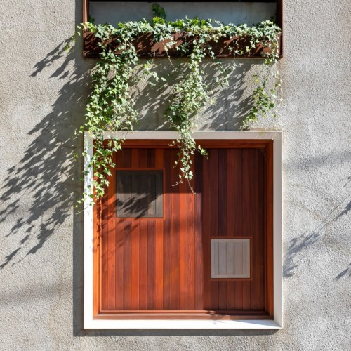 12-Welcome_To_The_Jungle_House_facade