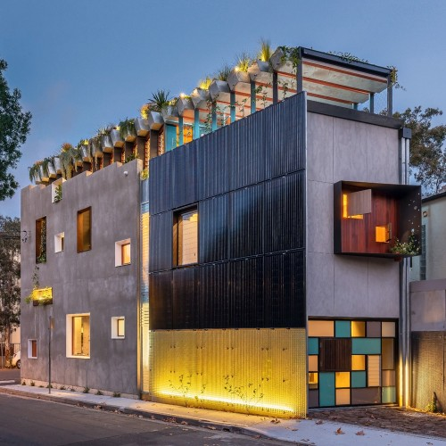 19-Welcome_To_The_Jungle_House_Street_View_Dusk