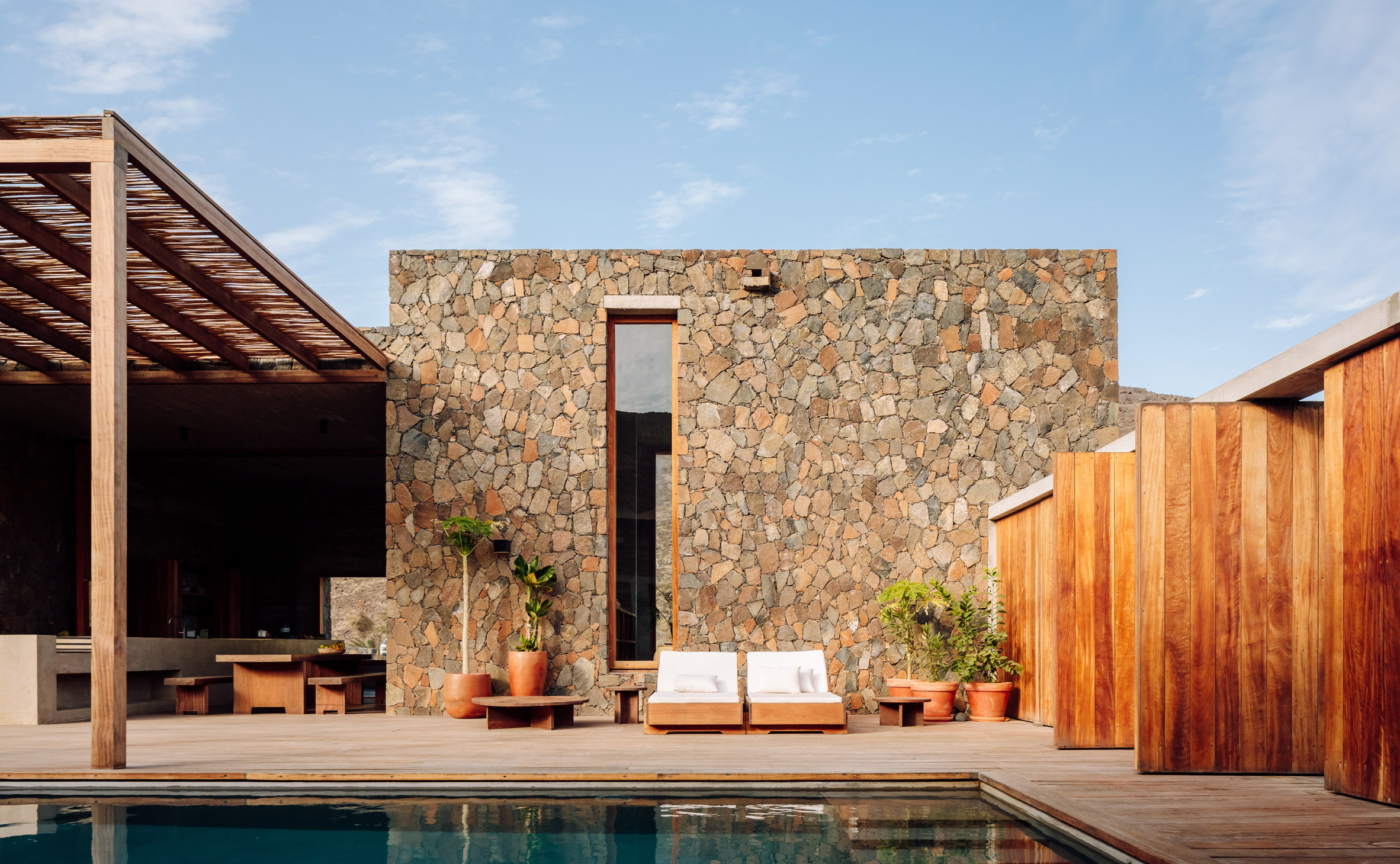 barefoot-luxury-hotel-interiors-cape-verde-polo-architects_dezeen_2364_col_1
